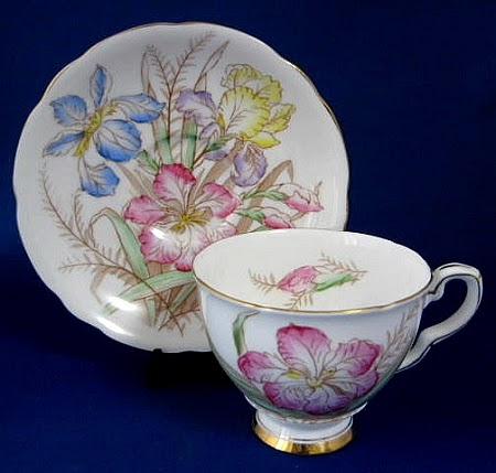 Royal Stafford Pottery Patricia Pattern Cake Stand