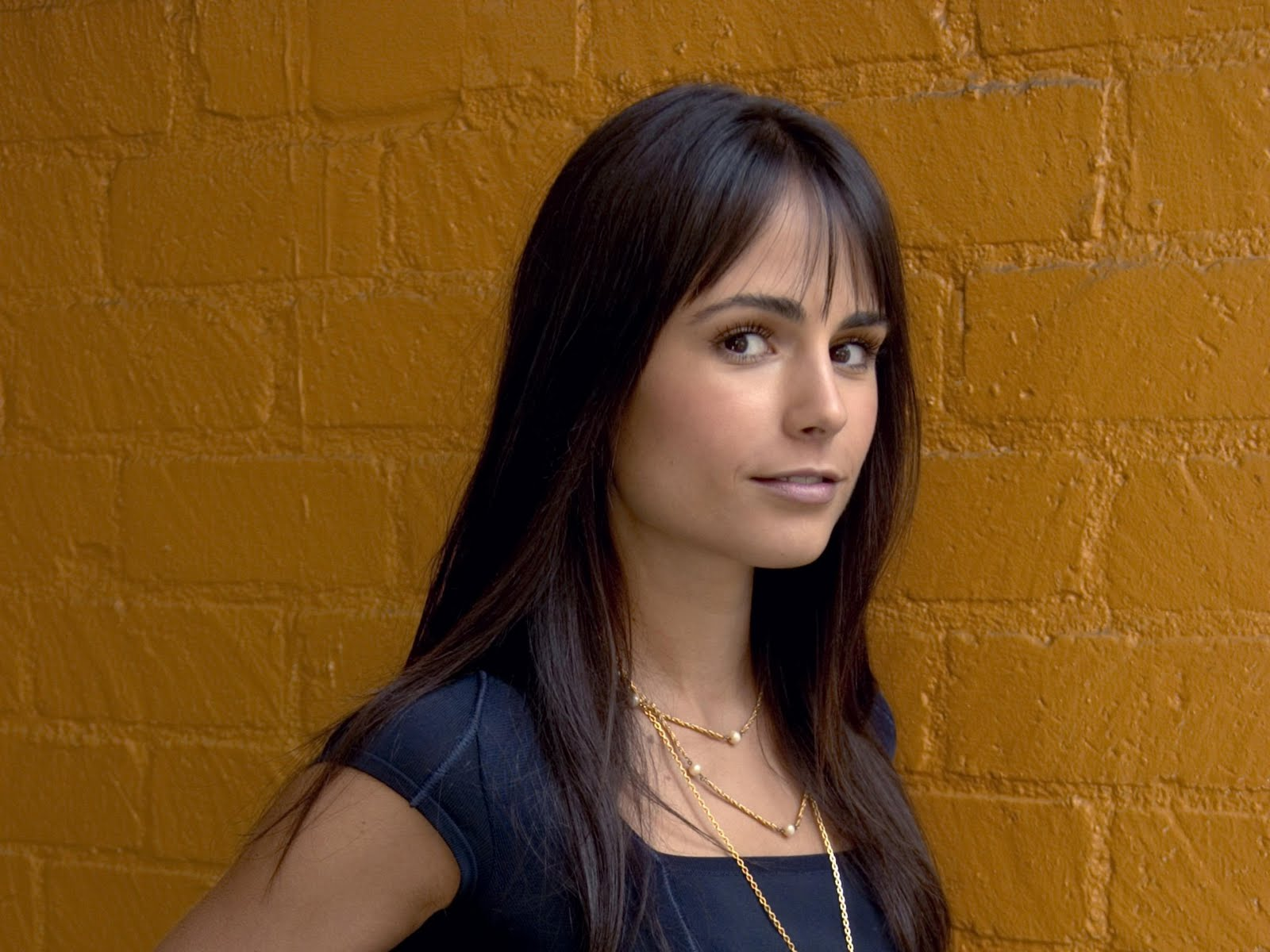 jordana brewster hd wallpapers - celebrities hd wallpapers