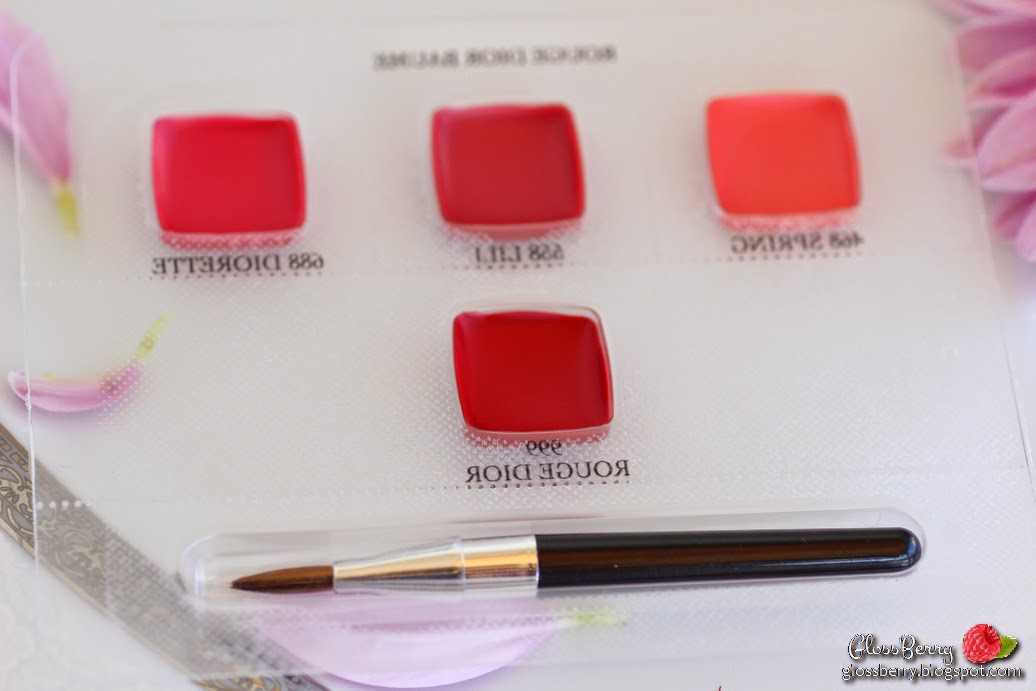 Rouge Dior Baume Natural Lip Treatment Couture Colour - 740 Escapade review swatches דיור שפתון באלם טבעי בז' גלוסברי בלוג איפור טיפוח glossberry beautyblog lipswatch 468 spring 558 lili 688 diorette 999 rouge dior