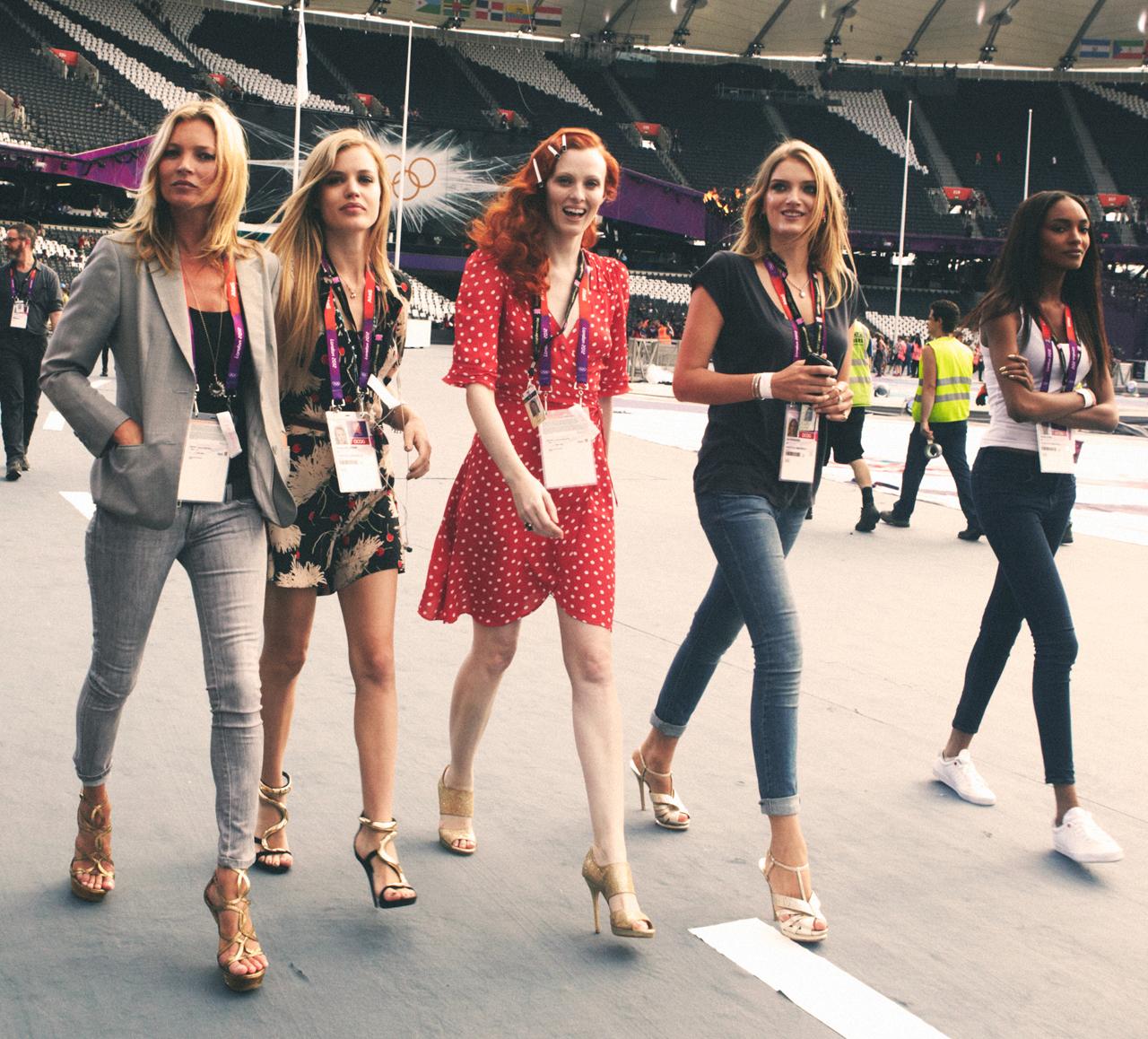http://4.bp.blogspot.com/-0SaDHGbadfc/UC5uyX9EBkI/AAAAAAAAm6U/S41RY5mmNrE/s1600/la-modella-mafia-Olympics-2012-Closing-Ceremonies-fashion-with-top-British-models-Kate-Moss-Georgia-May-Jagger-Karen-Elson-Lily-Donaldson-Jordan-Dunn-Lily-Cole-Stella-Tenant-and-Naomi-Campbell-1.jpeg