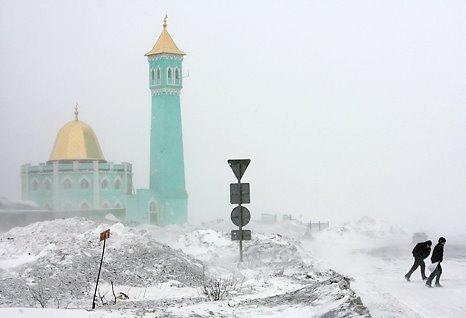 http://4.bp.blogspot.com/-0ScdxNKcziA/TvEXCLsoANI/AAAAAAAABqk/AgzKNGhj2LY/s1600/Masjid+Nurd+Kamal+di+Kutub+Utara.jpg