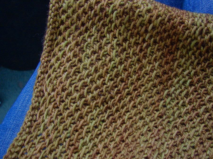 Knit Pattern For Honey Cowl : Ninja Woman: Yarn Along: Honey Cowl