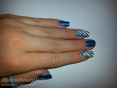 nail art a strisce semplice estate blu ciano tiffany