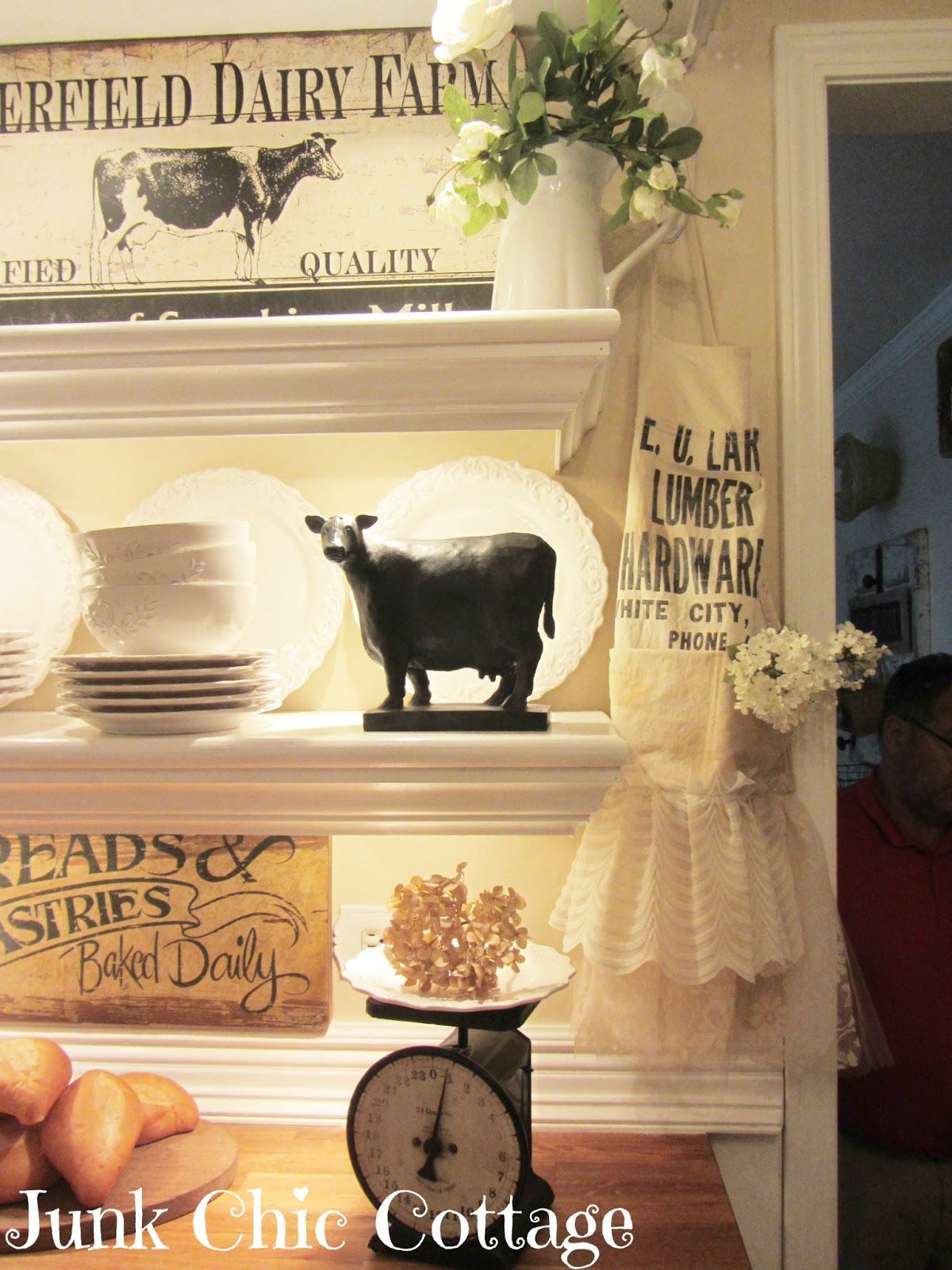 Clever chicks blog hop 38 the chicken chick for Farmyard kitchen accessories