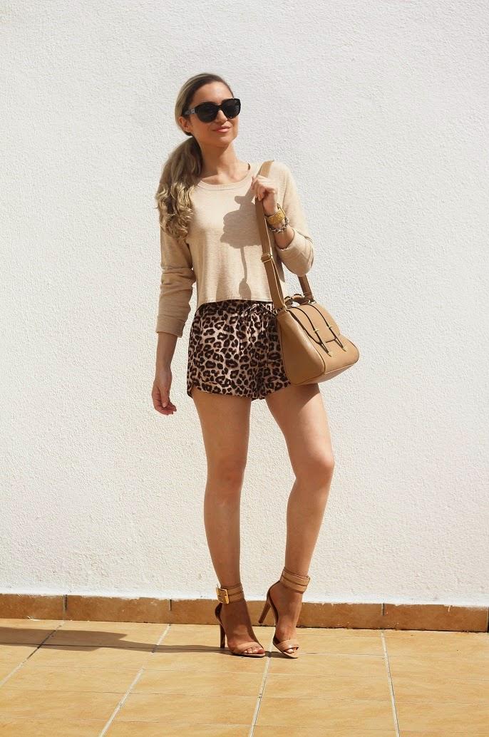 look do dia, outfit, ootd, look of the day, fashion blog, style, style statement, streetstyle, animal print, shorts, camel, satchel bag, calções com padrão de leopardo, nine west, chanel, guess, casual chic look, c&a, sfera, pimkie, new yorker, tendências, outono inverno 2014 2015, dicas de imagem, blog de moda portugal, blogues de moda portugueses