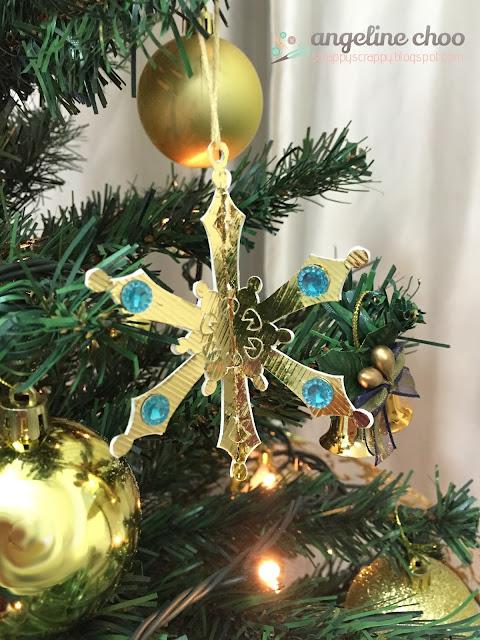 ScrappyScrappy: Christmas - It's so Gold #scrappyscrappy #svgattic #ornament #christmas #gold #glitter