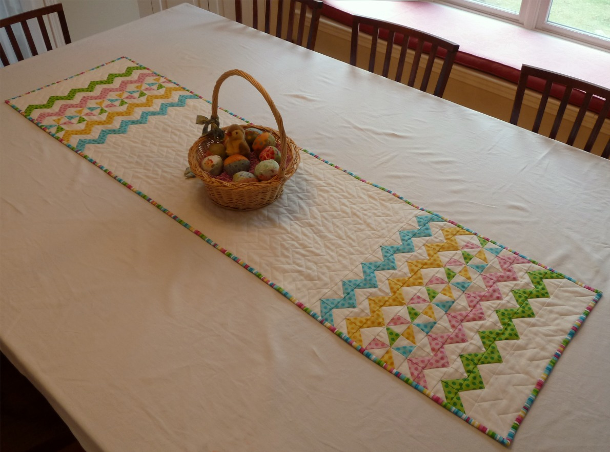 alidiza Easter Zig Zag Table Runner