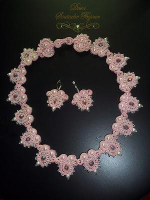 conjunto de brincos e colar em soutache e cristais rondelle