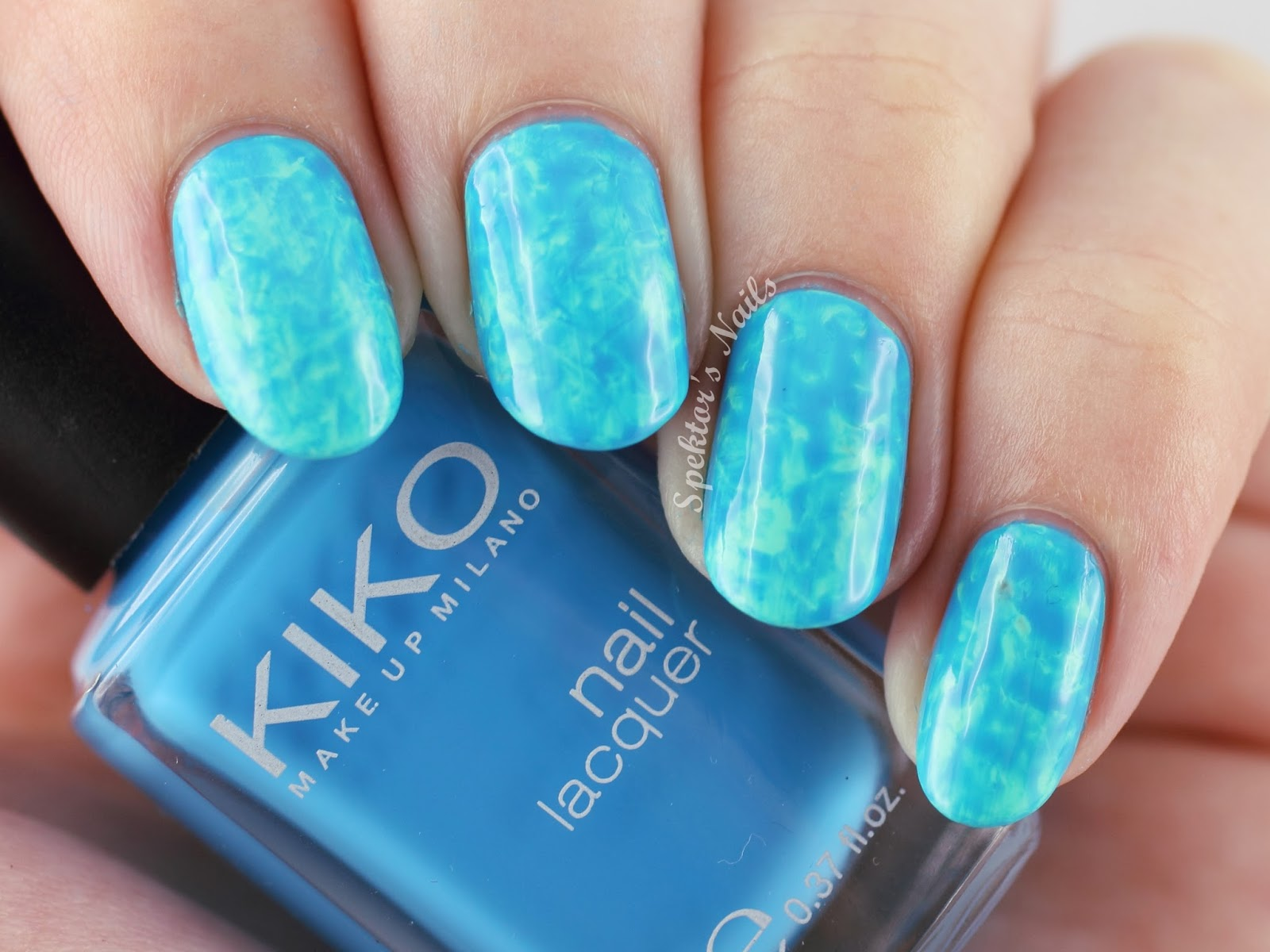 Swimming Pool Nails inspired by stephstonenails / Kiko - 389 Mint Milk & 295 Cerulean Blue