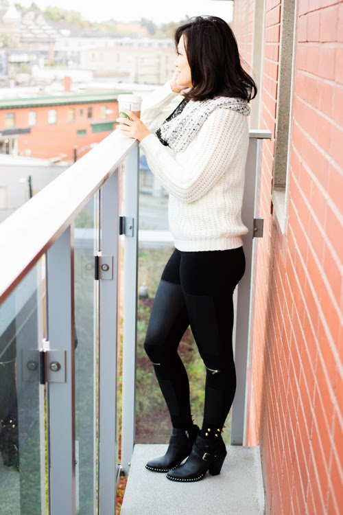 Vancouver fashion blogger black and white outfit, dynamite sweater and leggings