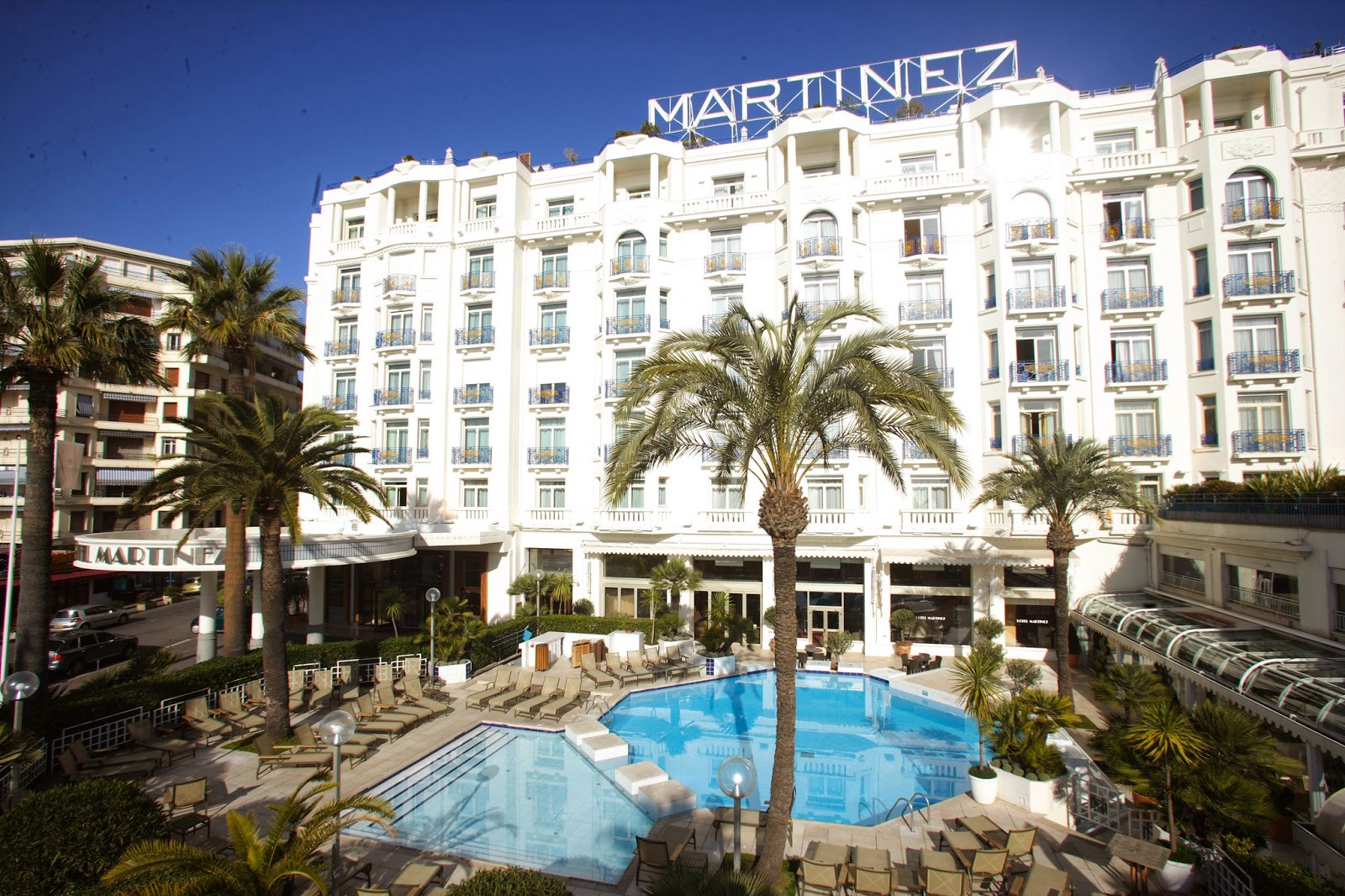 Passion for luxury grand hyatt cannes hotel martinez for Hotels in france
