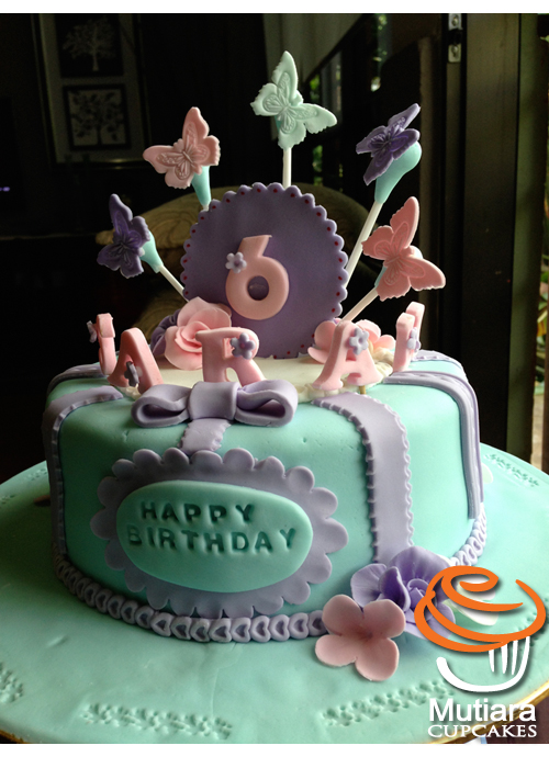 Mutiara Cupcake Sarah 6th Birthday Cake