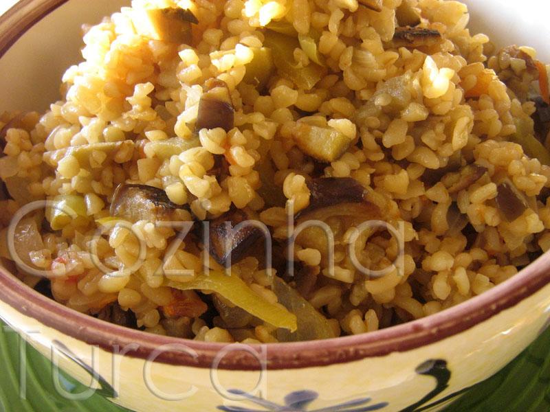 Pilaf de Bulgur com Beringela (Patlıcanlı Bulgur Pilavı)