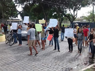 Bolsistas da Ufal ocuparam reitoria contra atraso nos pagamentos