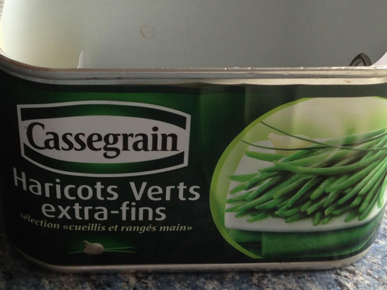 Une chenille dans une boite de haricots verts Cassegrain