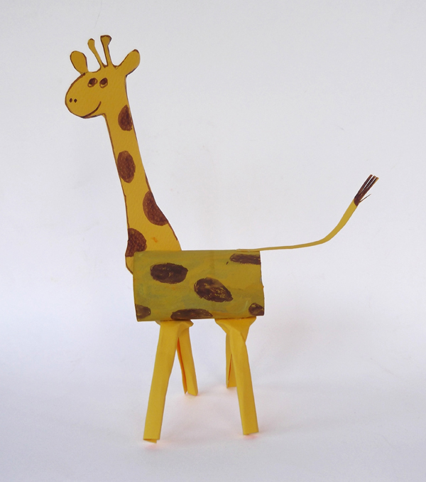 animal crafts, giraffe crafts, paper giraffe, cardboard giraffe, toilet paper roll, toilet paper tube,