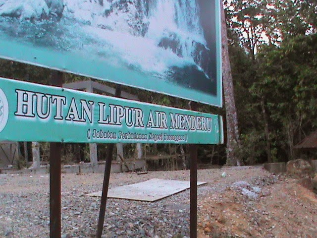 air terjun menderu