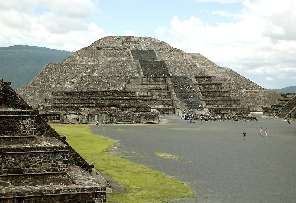 El enigma y misterio de teotihuacan y sus pir mides for Mexico city tourist information