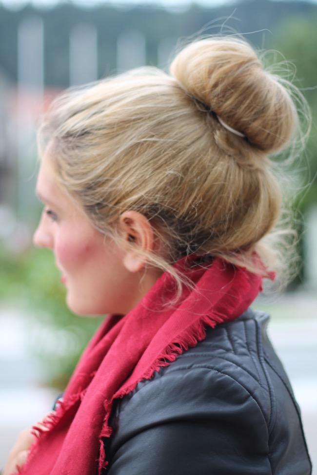 lavender star - fashionblogger - herbst outfit - herbst look - regenstiefel gummistiefel schwarz - tasche longchamp le pliage m schwarz - schal louis vuitton - lederjacke schwarz pimkie -