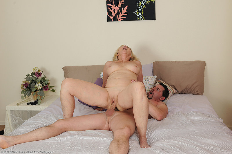 Mother n son porn