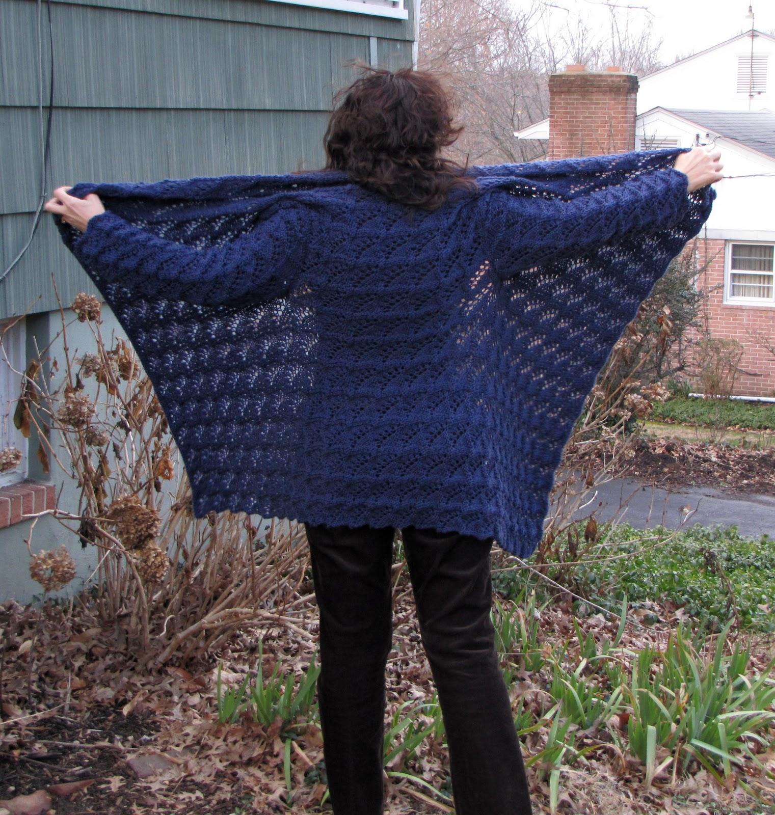 Knitting Pattern For Yoga Wrap : La Cubanita Cose: Vogue Knitting Winter 05/06 The Yoga Wrap
