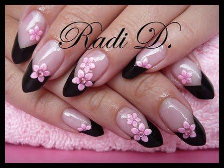 Edge в черно с розови цветенца