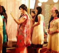 Katrina-kaif-half-saree-Sony-xperia-smart-phone-Ad