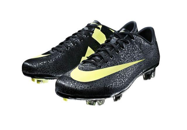 93bc88d6177ad Nike acaba de sacar unas botas diseñadas para el portugués Cristiano Ronaldo.  Las Nike CR Mercurial Vapor Superfly III. Después del escaso éxito que tuvo  ...