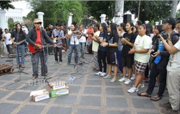Aksi Sawung Jabo di kawasan titik nol km Jogja