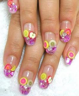Hermoso diseño de uñas de frutas