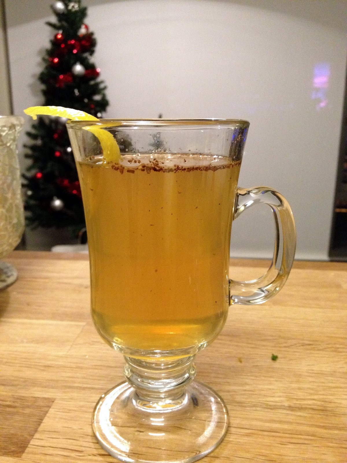 Bourbon and Bleu: honey bourbon hot toddy
