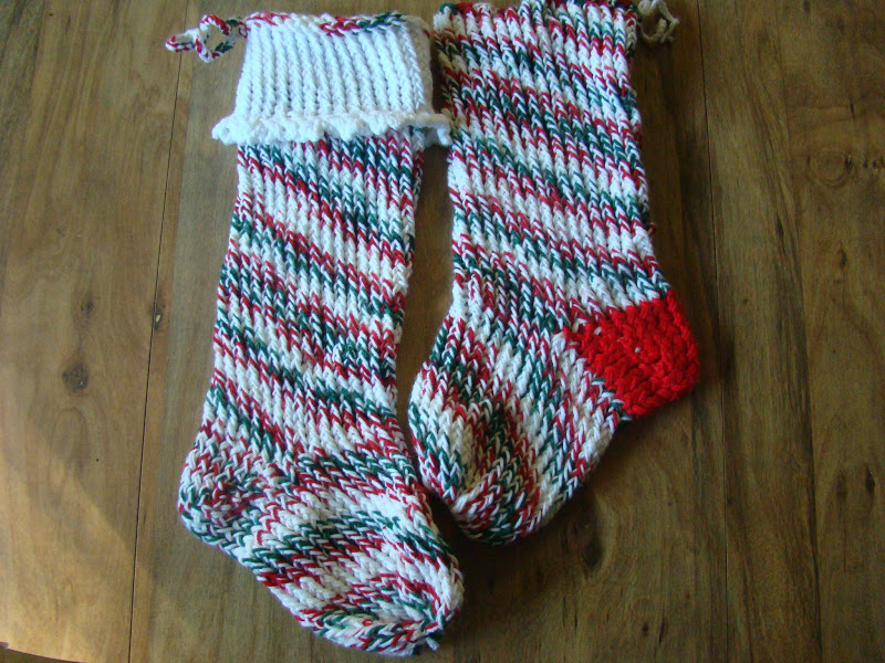 Christmas Stocking Loom Knitting Pattern : Nana Jones: The Craft Know It All: Round Loom Christmas ...