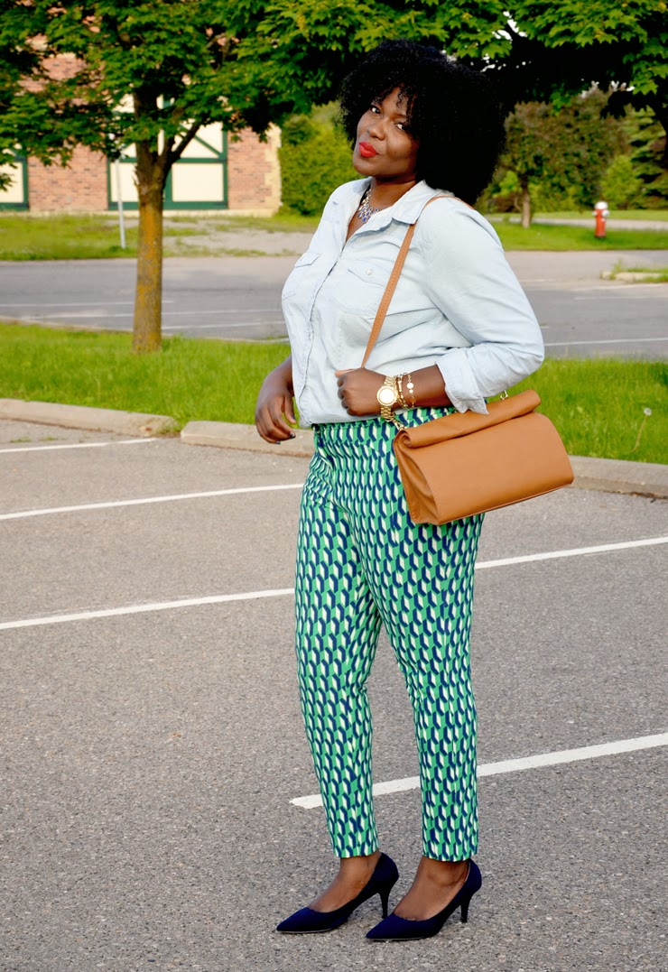 Plus size Style inspiration: printed pants + Chambray shirt zara lunch bag