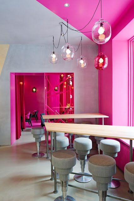 How to incorporate a bright color in your home, How to Decorate a Dining room