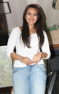 Bollywood Actress Sonakshi Sinha Latest Pictures in Jeans at Smile on Wheels Launch  0018