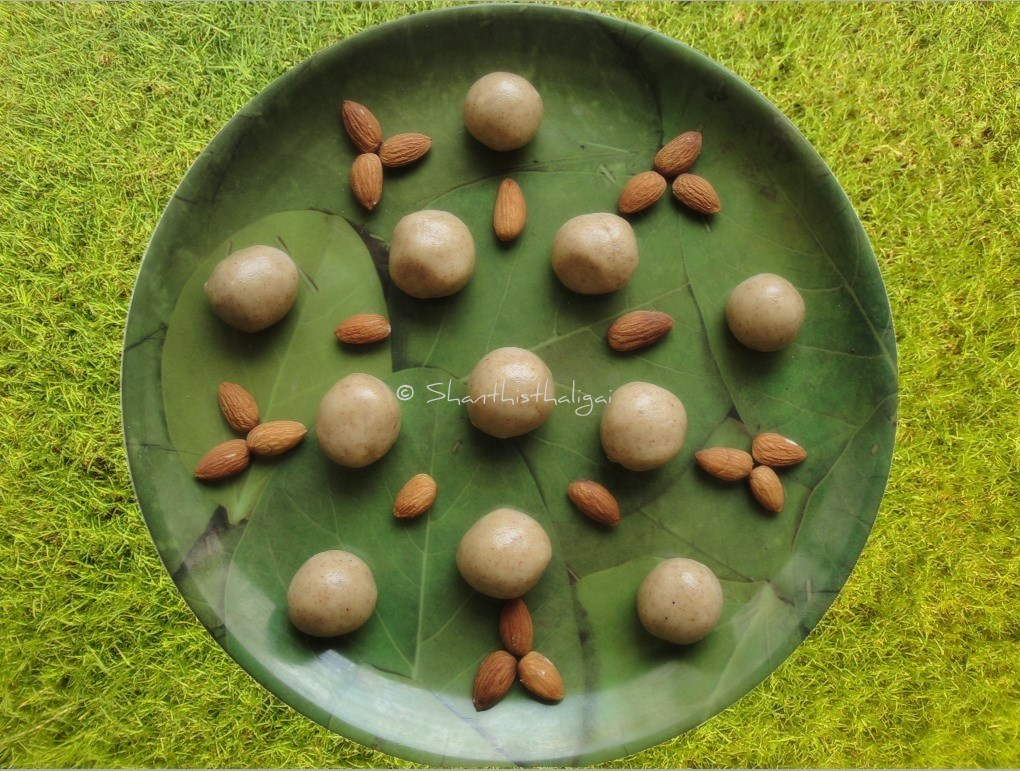 almond balls / almond butter balls