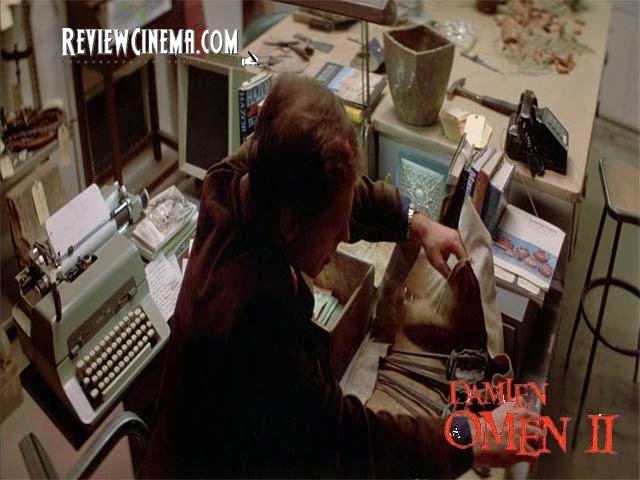 "<img src=""Damien : Omen II.jpg"" alt=""Damien : Omen II Kotak milik Bugenhagen"">"
