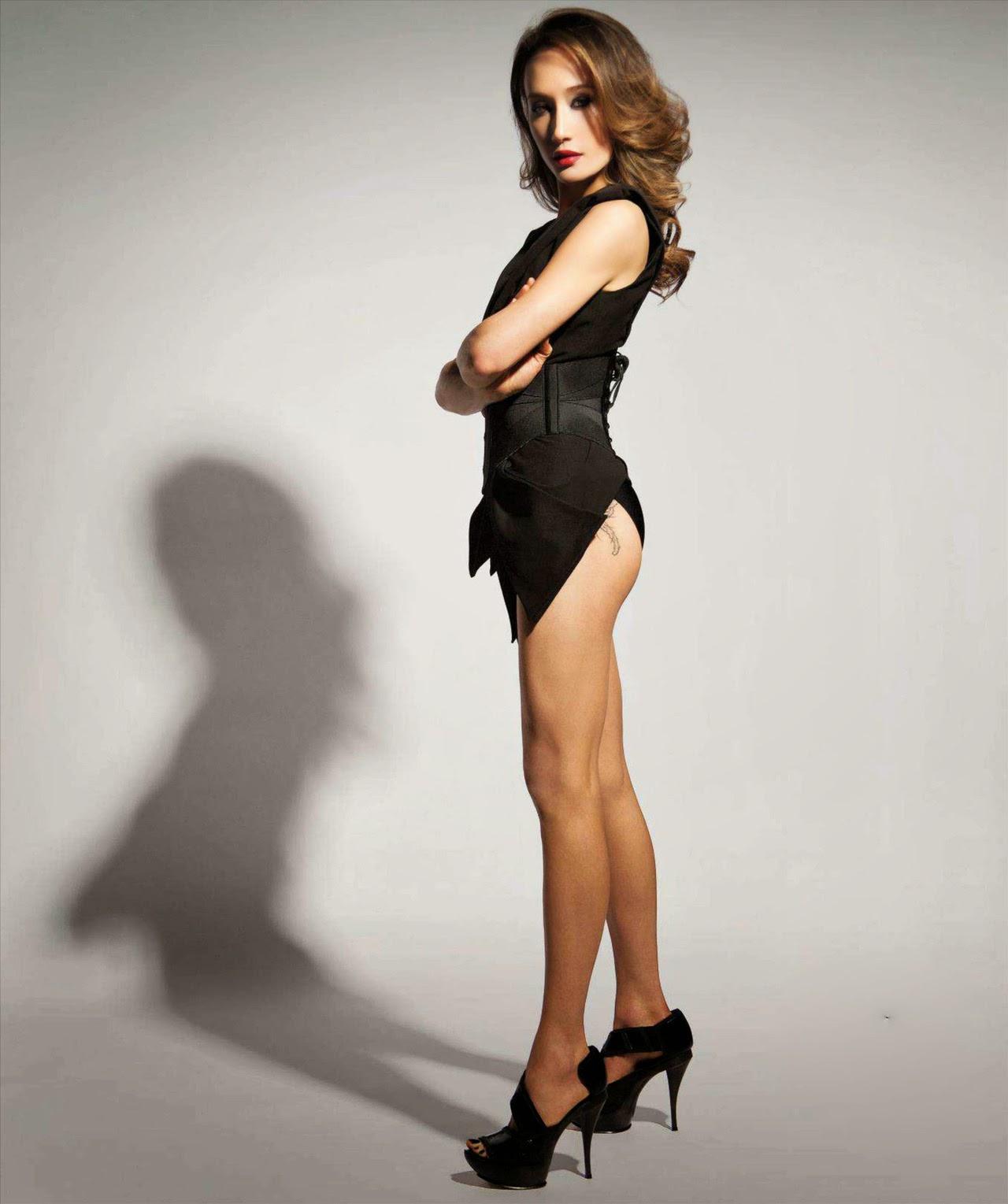 Maggie Q sexy skinny legs in heels