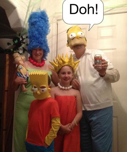 Simpsons Family Costumes  sc 1 st  Pumpkin Carving Ideas for Halloween 2017 & Pumpkin Carving Ideas for Halloween 2017: Award Winning Halloween ...