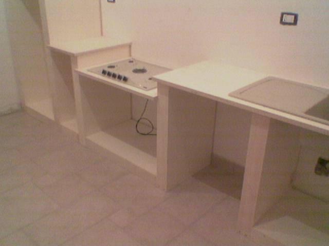 Fai da te hobby legno cucina in finta muratura for Cucina giocattolo fai da te