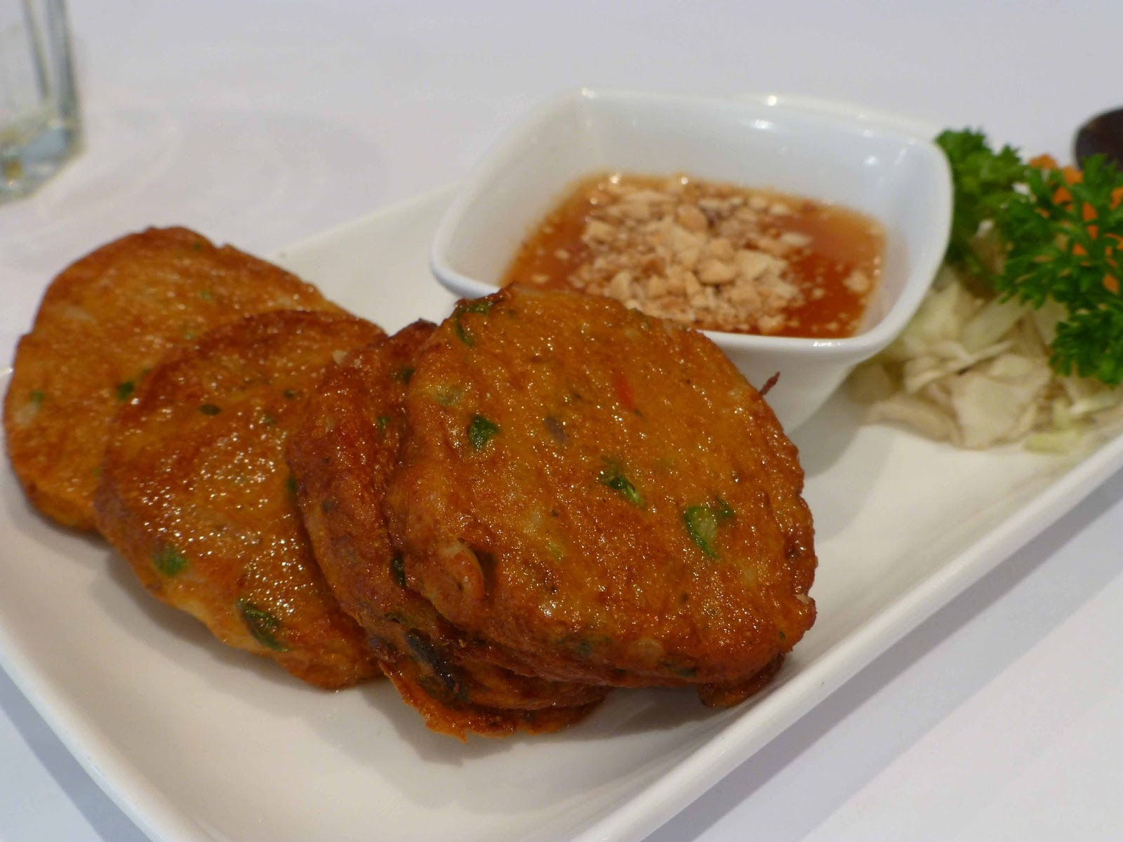 Thai fish cakes with sweet chilli sauce