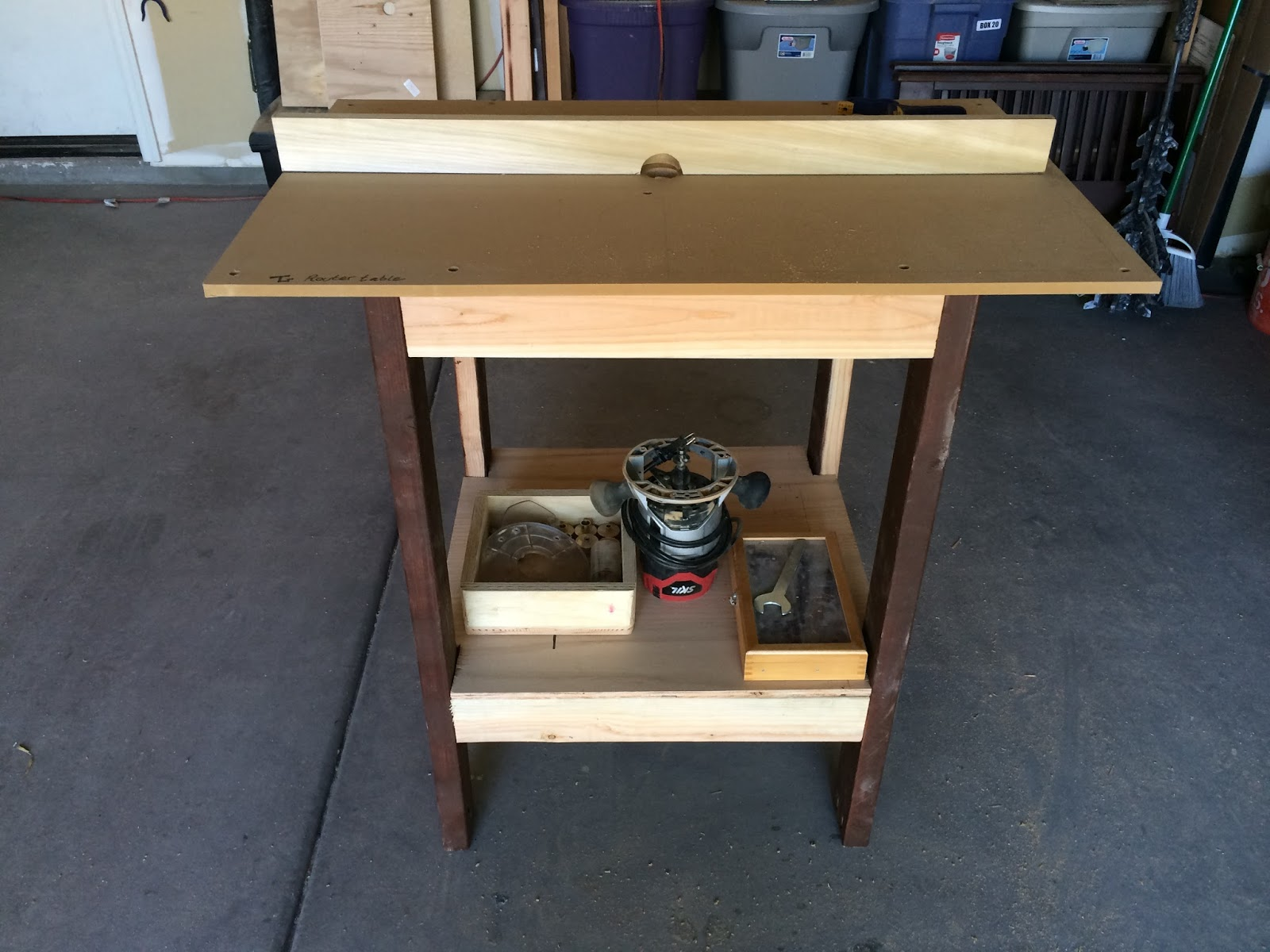 Timbos creations diy bench top router table i used it so often and was becoming an essential part of my workshop however the holes that i made that mounted the router to the table were wearing out keyboard keysfo Image collections