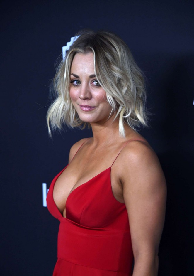 Kaley Cuoco Is Red Hot And Revealing At The Golden Globes