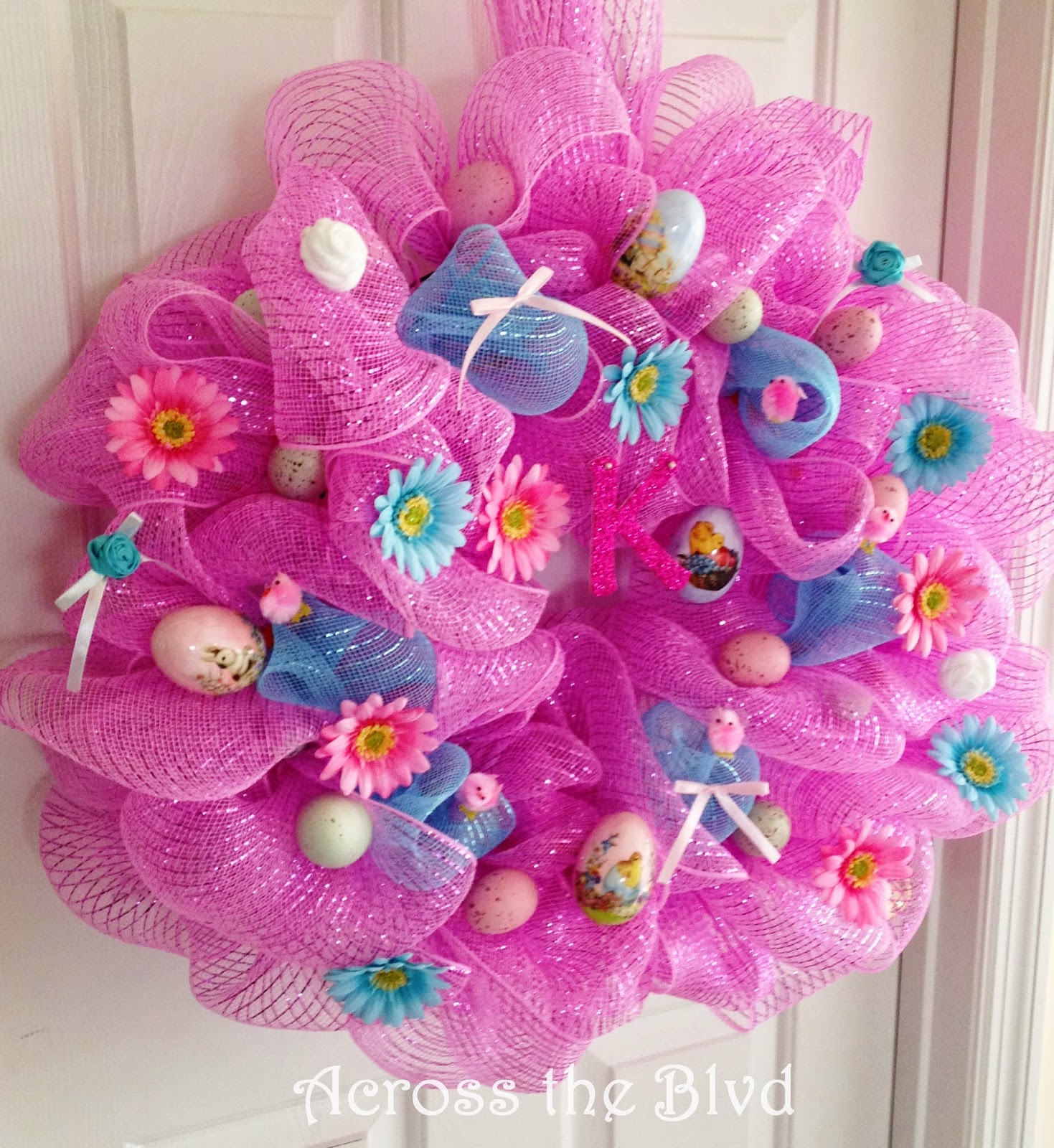 Deco Mesh Easter Wreath : Across the Blvd
