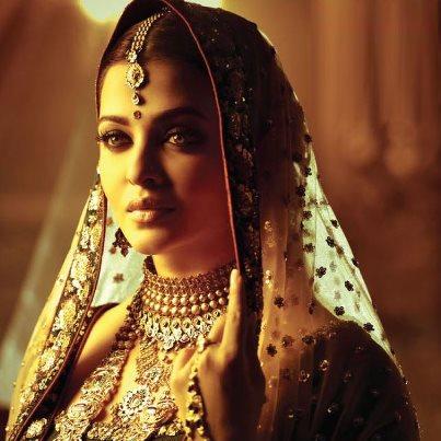 Bollywood queen Aishwarya Rai Bachchan's latest 2013 photo shoot for