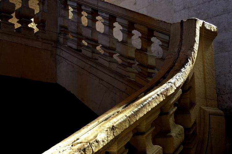 Escalier - Bâtiment conventuel - Arles