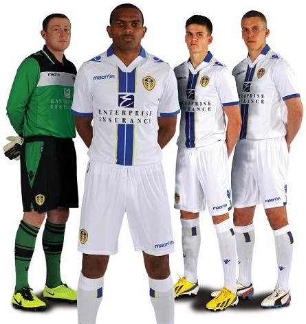 3ae5d63dac Macron apresenta novas camisas do Leeds United - Show de Camisas