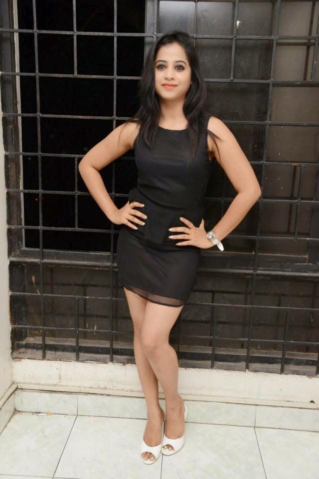 swati dixit hot thigh wallpaper mini skirt