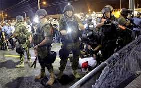 Lực lượng chống biểu tình của Mỹ: súng ống và giáp trang bị tận răng những vẫn vất vả
