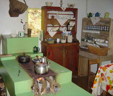 Dep?sito Santa Mariah: Cozinhas caipiras!